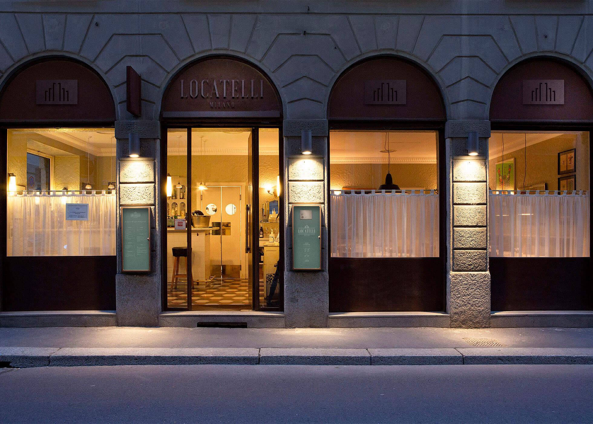 Le vetrine del Locatelli Milano